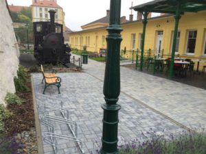 Travní koberce, Veřejná zeleň, Závlahové systémy - jplcz.com - Zahrádka v restauraci nebo v kavárně