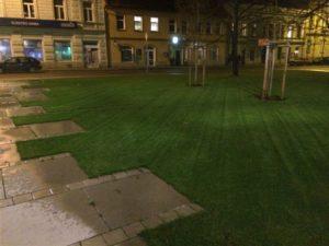 Travní koberce, Veřejná zeleň, Závlahové systémy - jplcz.com - Údržba zeleně v parku, sekání, hnojení trávy a foukání listí
