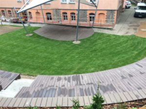 Travní koberce, Veřejná zeleň, Závlahové systémy - jplcz.com - Realizace multifunkčního prostoru pod širým nebem