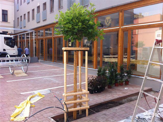 Veřejná zeleň - jplcz.com - HOTEL LEV LOVOSICE – DI GUSTO CAFE-RESTAURANT