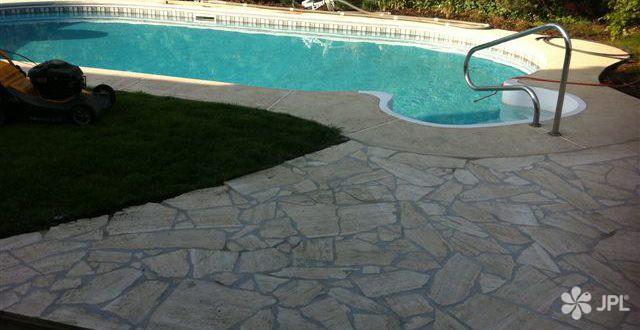 Zahrady - jplcz.com - Pokládka kamenné podlahy z travetýnu